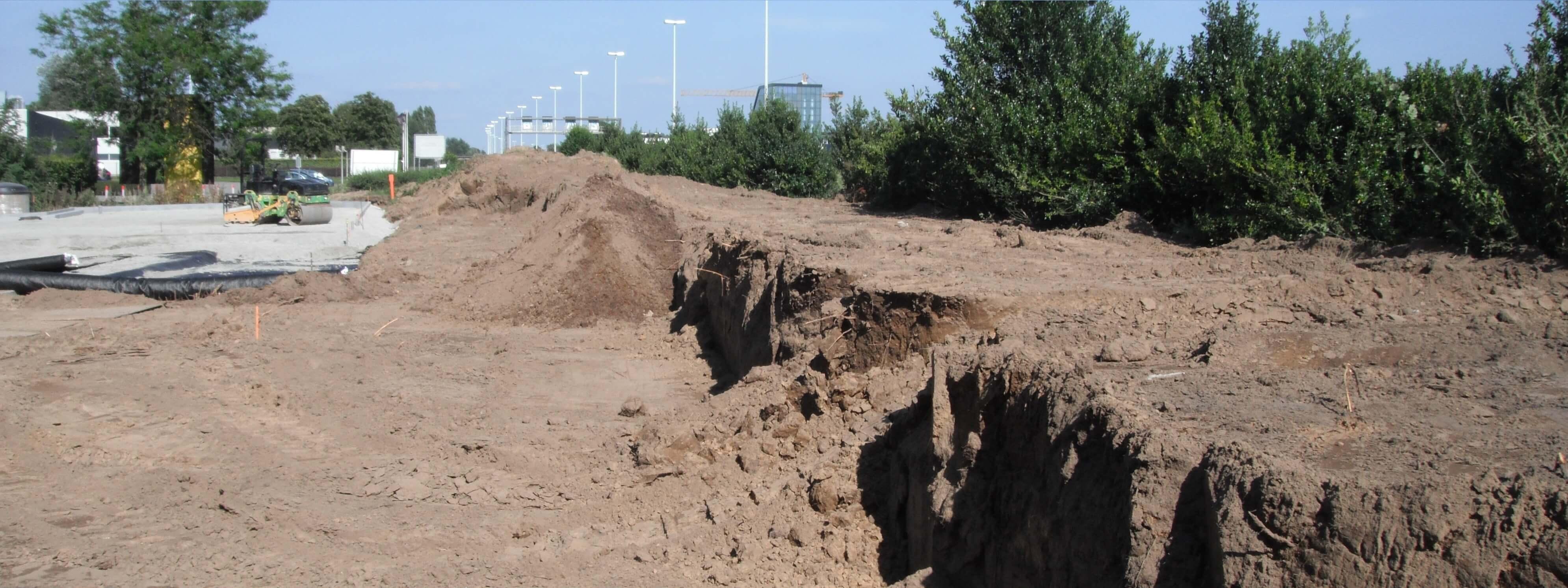 Tuin egaliseren of ophogen gratis gezeefde grond bij wegrio for Tuin aan laten leggen